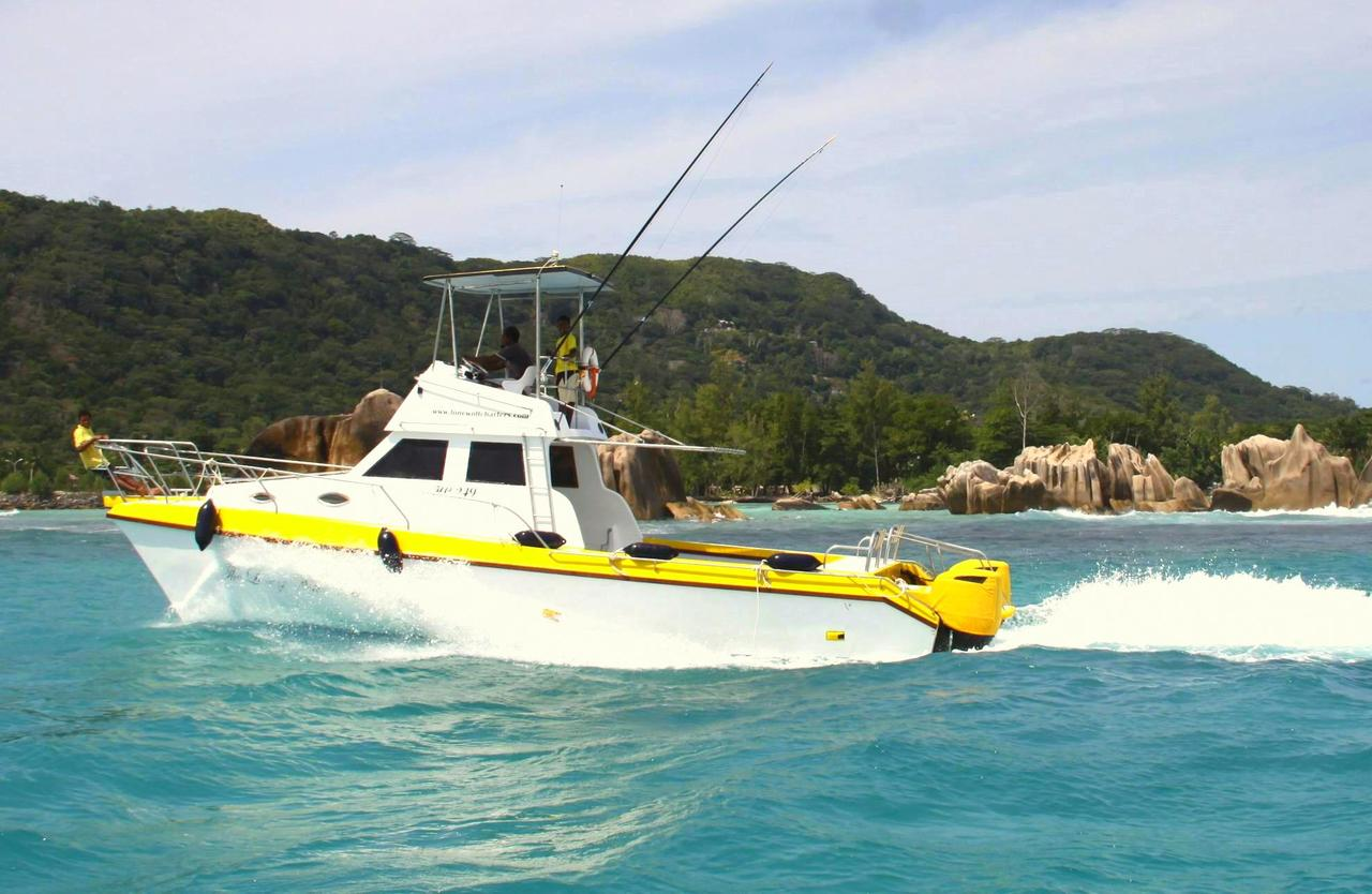 Discounts on la digue excursions and fishing trips for Fishing boat trips