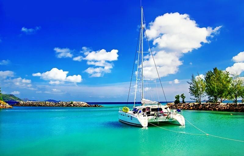 Sailing Seychelles Mahe Catamaran